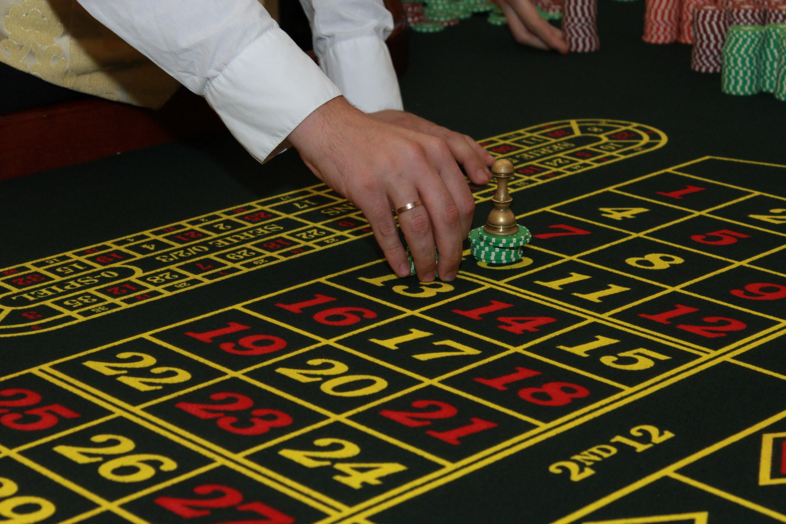 Можно ли играть в казино онлайн Вулкан бесплатно?